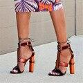 Nueva Denim Patchwork de Cuero de Las Mujeres T-correa de Sandalias Multicolor Jaula Gladiador Sandalias Mujer Tacones Altos Bombea Los Zapatos de Mujer Sandalias