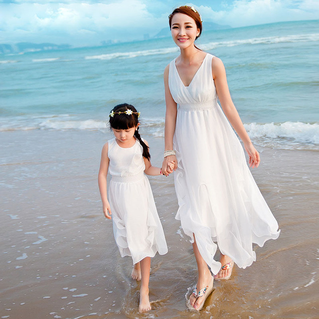 0506056b2bb6ba Mother Daughter Summer White Solid Beach Dresses Family Matching Outfits  Girl Family Look Bohemia Chiffon Dress Clothes Mom Kids