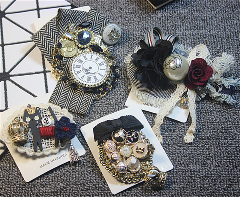 af77ea9742a Korea Handmade Luxurious Vintage Rhinestone Pearl Plaid Badge Brooches Pins  Fashion Jewelry For Woman Accessories-JQGWBH002E