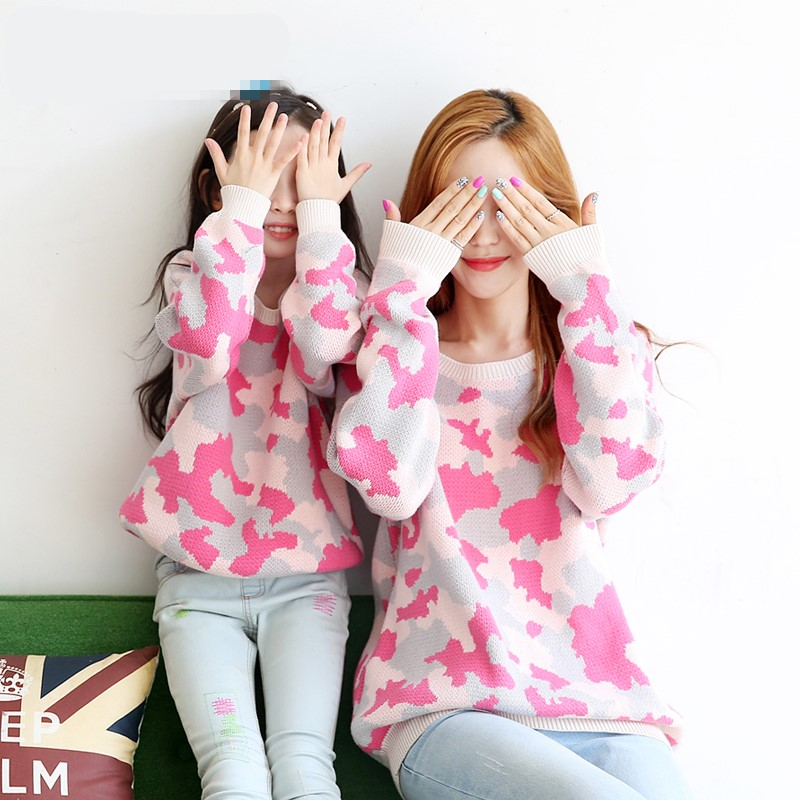 купить Maggie's Walker winter new mother and kids cotton camouflage coat sweater mother and girls fashion warm sweater family sweater дешево