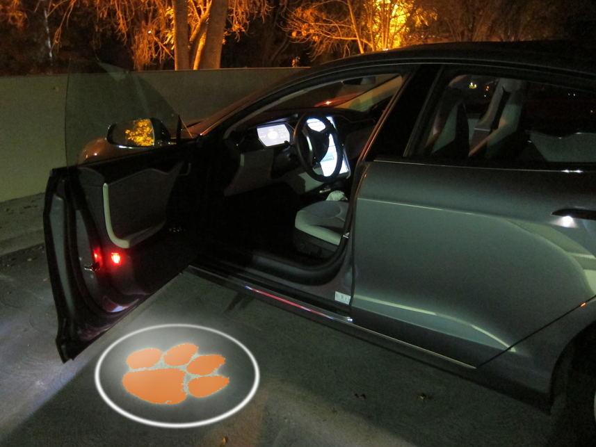 2 stücke Drahtlose Auto Tür Led Willkommen CLEMSON TIGERS team Logo Geist Schatten Licht Batman Auto-styling Auto Innen lampe Licht