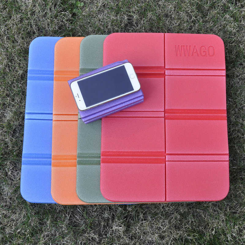 Soft Waterproof Camping Mat Hiking Picnic Portable Cushion Seat Pad Outdoor Folding Camping Moistureproof Cushion Mattress Pad