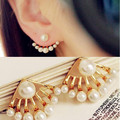 New Arrival Fashion Korean Small Imitation Pearl Earrings Dragon Hand Ear Cuff Ear Stud New Cute Charms Mother's Days Gifts