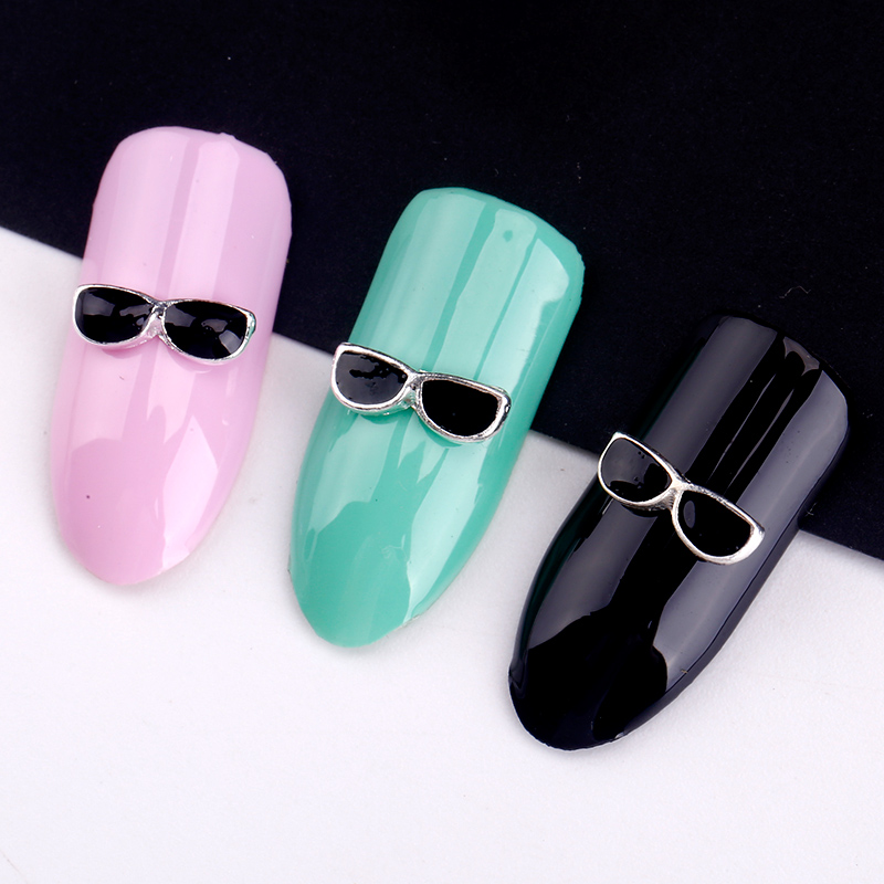 Blueness 10 st / Lot Black Solglasögon 3D Metal Nail Art Dekorationer DIY Silver Alloy Studs Supplies