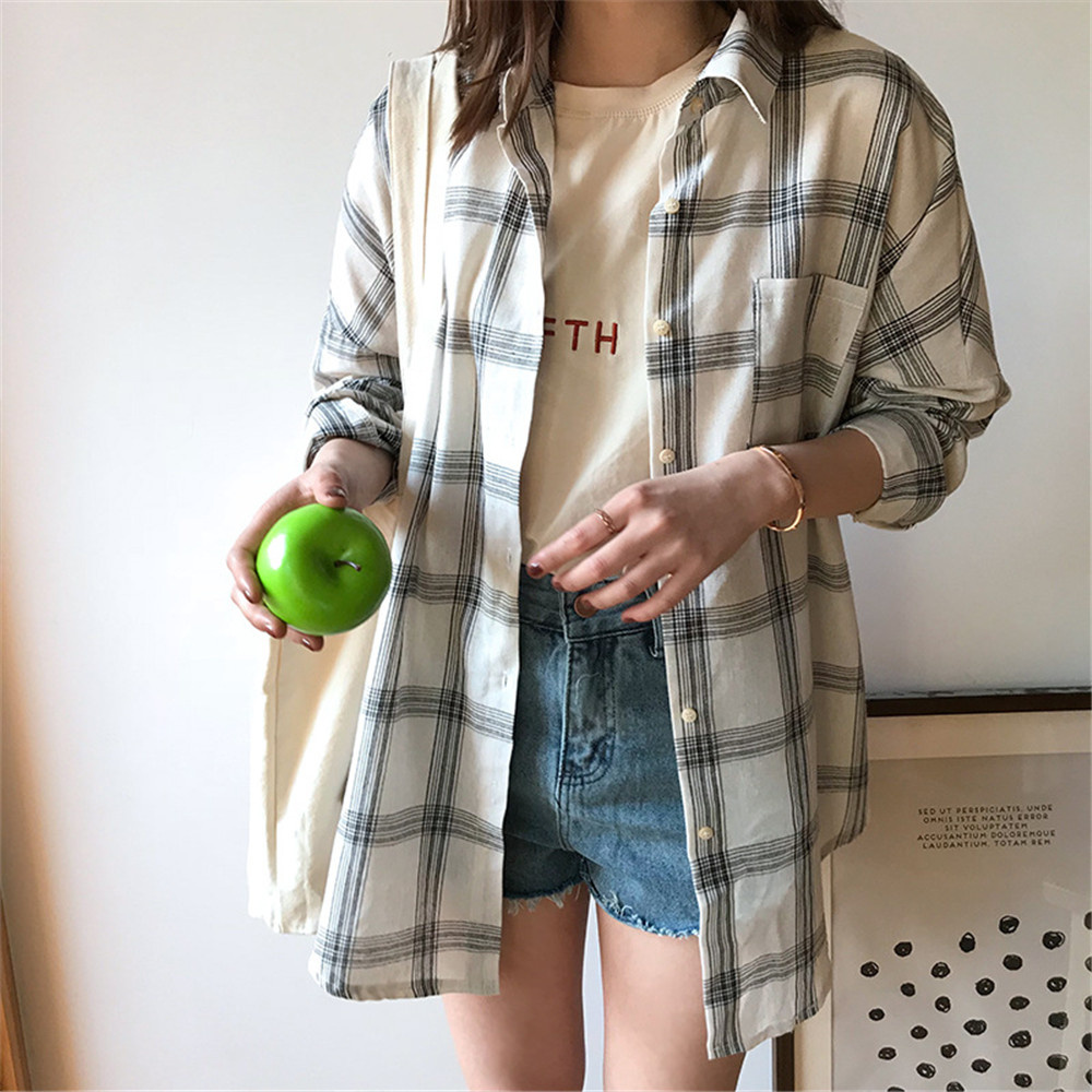 Big Loose women plaid blouses shirts 2018 Women Office Air Conditioner Blouse Shirt Female Outerwear Casual Pocket Shirts (20)
