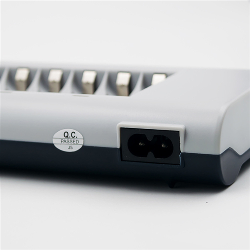 8 Slots Charger AA / AAA Ni-MH / Ni-Cd Batteries Rechargeable Battery EU Plug Futural Digital Drop SHhipping AUGG7