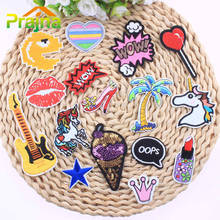 купить 1PCS Kids Jacket Lip Rose Patch Unicorn Embroidered Iron On Cartoon Guitar Patches For Clothes Badges Stickers Lipstick Emoji A дешево