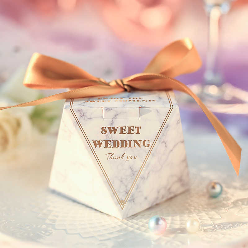 paperboard The diamond shape Pyramid candy gift box  Wedding Favors Party Supplies Paper Gift Boxes with THANKS Card & Ribbon