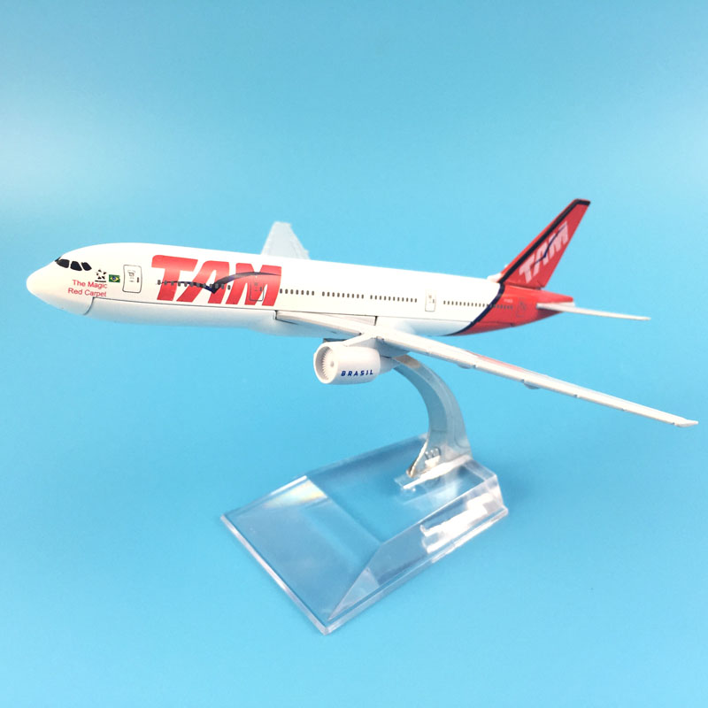 JASON TUTU 16cm Chile TAM Plane Model Airplane Model Boeing 777 Brazil Aircraft Model Diecast Metal Airplanes 1:400 Plane Toy