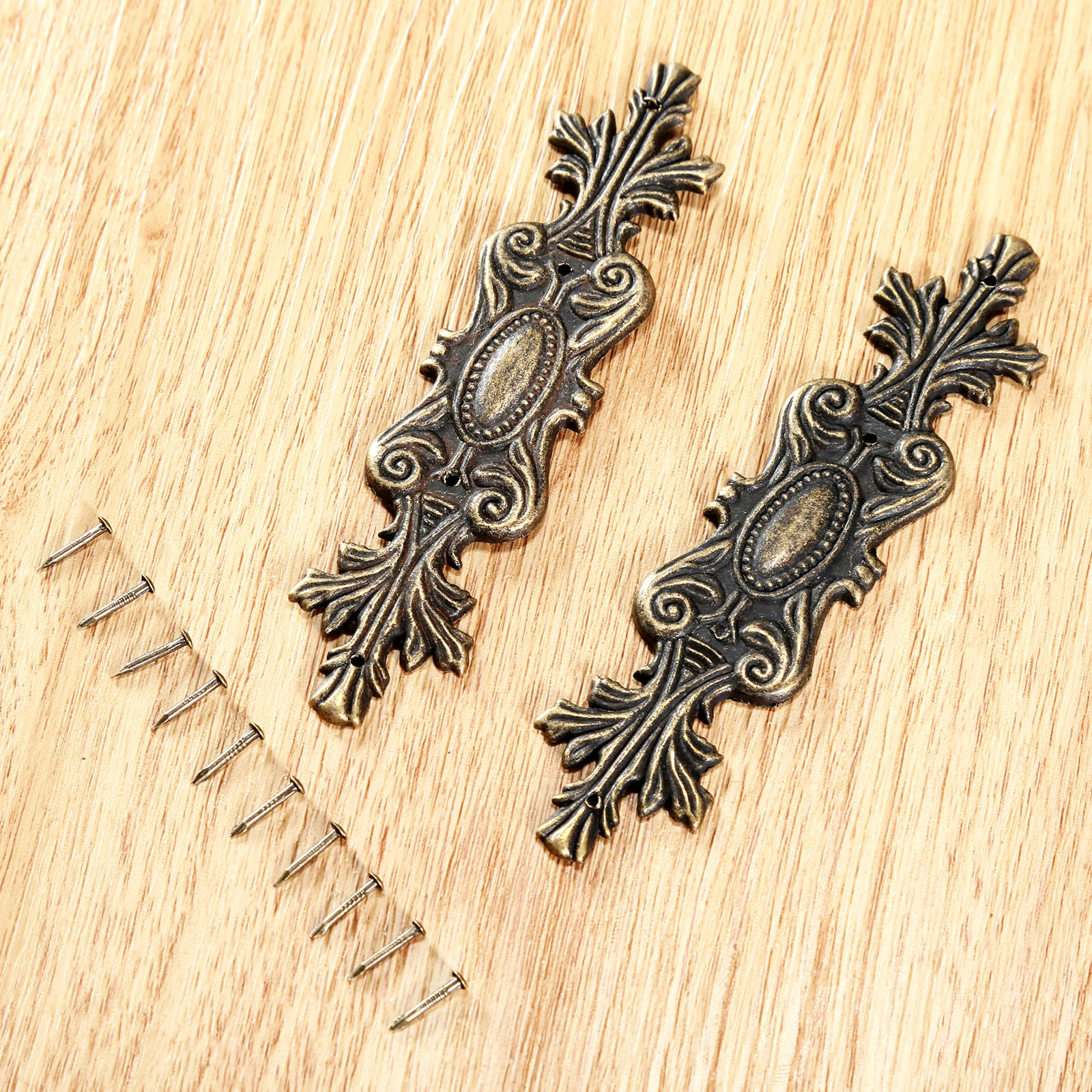 2pcs Antique Decorative Corner Bracket For Furniture Wooden Box Feet Protector Ings Christmas Supplies