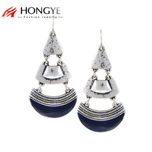 цены на Free Shipping Min Order $10(Mix Order) 2014 New Fashion Jewelry Dark Blue Resin Fan-shaped Silver Plated Women Stud Earrings  в интернет-магазинах