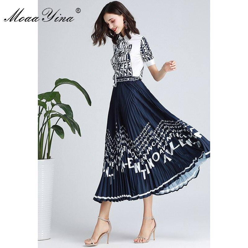 Kadın Giyim'ten Kadın Setleri'de MoaaYina Moda Tasarımcısı Set Bahar Sonbahar Kadın Kısa kollu Mektubu Baskı Zarif Gömlek Tops + Pilili Etek Iki parça takım elbise'da  Grup 2