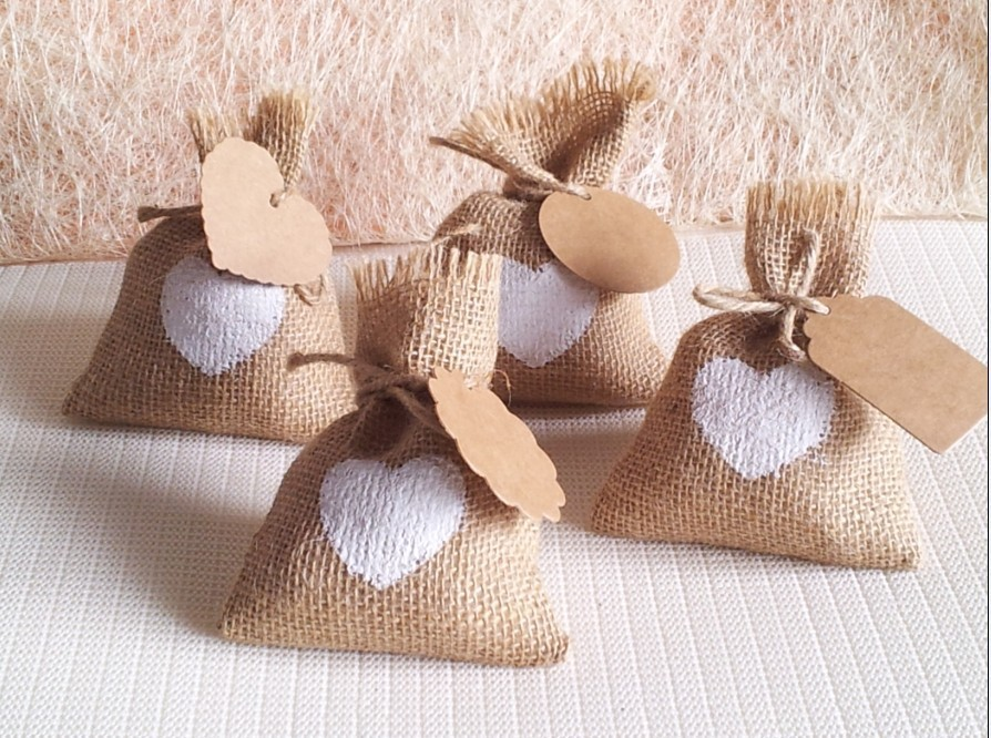 100set European-style garden wedding jute white love candy bags gift bags with kraft paper DIY label burlap bags sacks(14x10cm)