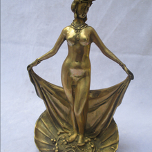 Collectible Decorated Brass Carved Beautiful Bathing Women S