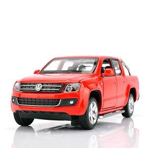 Image 3 - Simulatie 1:30 Amarok 4 open deur pickup truck model, metalen geluid en licht terug naar kinderen gift speelgoed model auto, gratis verzending