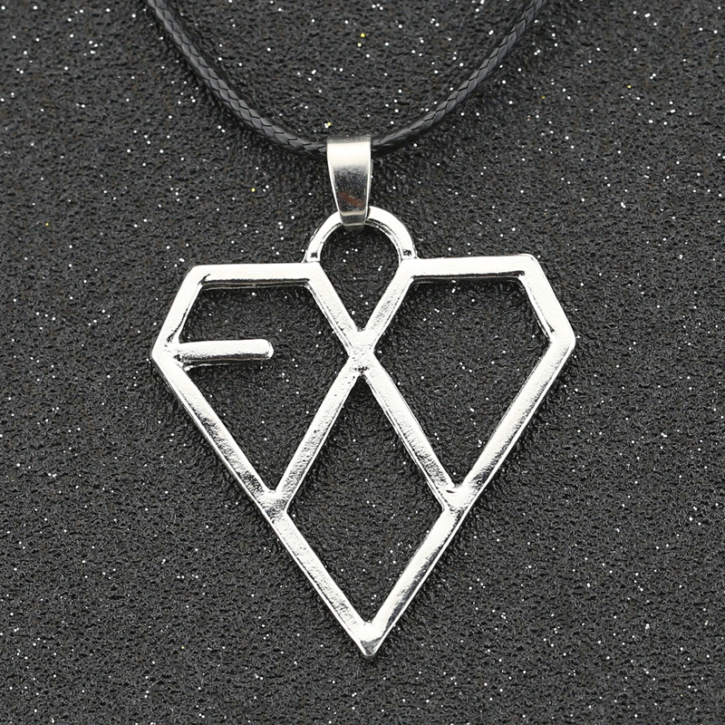 EXO Necklace KPOP Star Korea Supper Band Heart Love Fashion Silver Color Pendant Simple Music Jewelry Men Women Fans Wholesale(China)