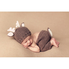 Christmas Deer Design Handmade Crochet Costume Set Knitted Hats and Pants Newborn Photography Props Photo Shoot