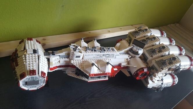 lepin 05046 1748Pcs Compatible Toys 10019 Star War Tantive IV Rebel Blockade Runner Model Building Kits Figures Blocks Bricks