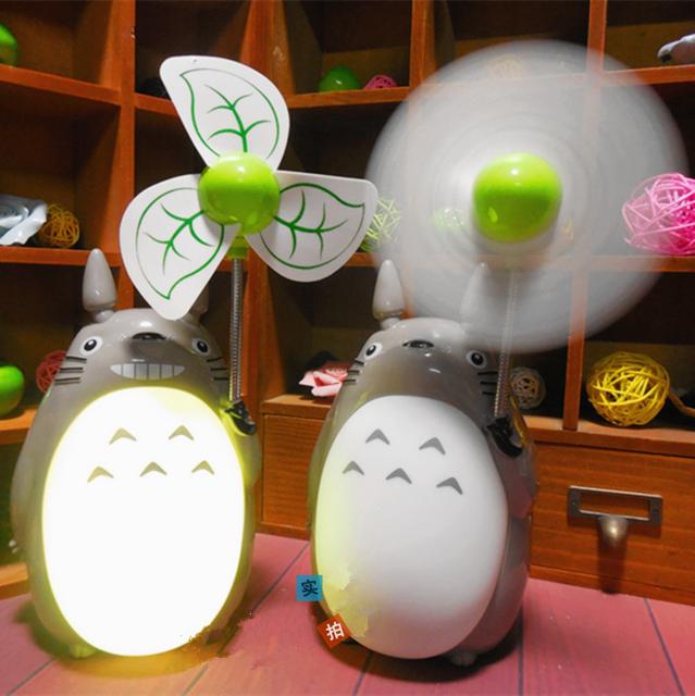 Totoro de dibujos animados ventilador ventilador eléctrico de carga creativa noche de luz LED ventilador mudo lámpara del dormitorio estudiantil Ventilador USB luz blanca cálida lámpara