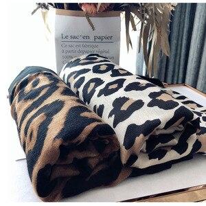 Image 1 - יוקרה מותג חורף צעיף, leopard צעיף נשים, רך Pashminas, צעיפים וצעיפים, Sjaal המוסלמי חיג אב, בעלי החיים הדפסת leopardo, קייפ