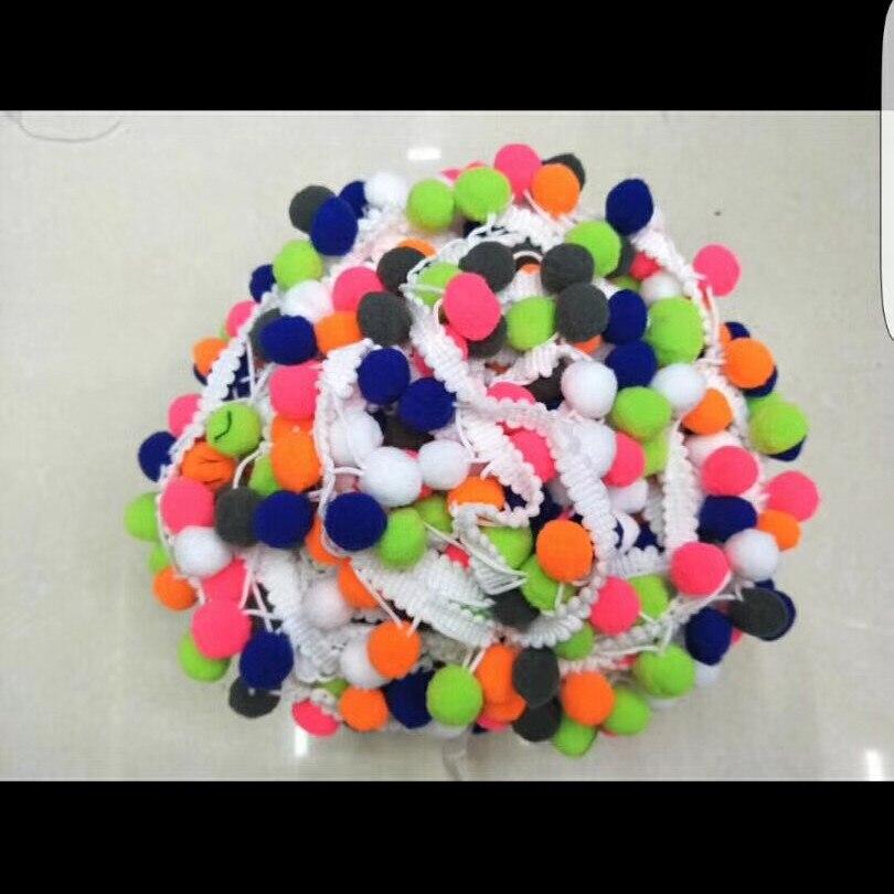10 x 15mm paillettes pompons en 6 couleurs