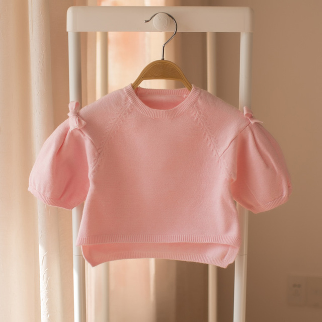 New baby cardigan in spring and autumn of 2018. A solid color coat with a bubble sleeve.