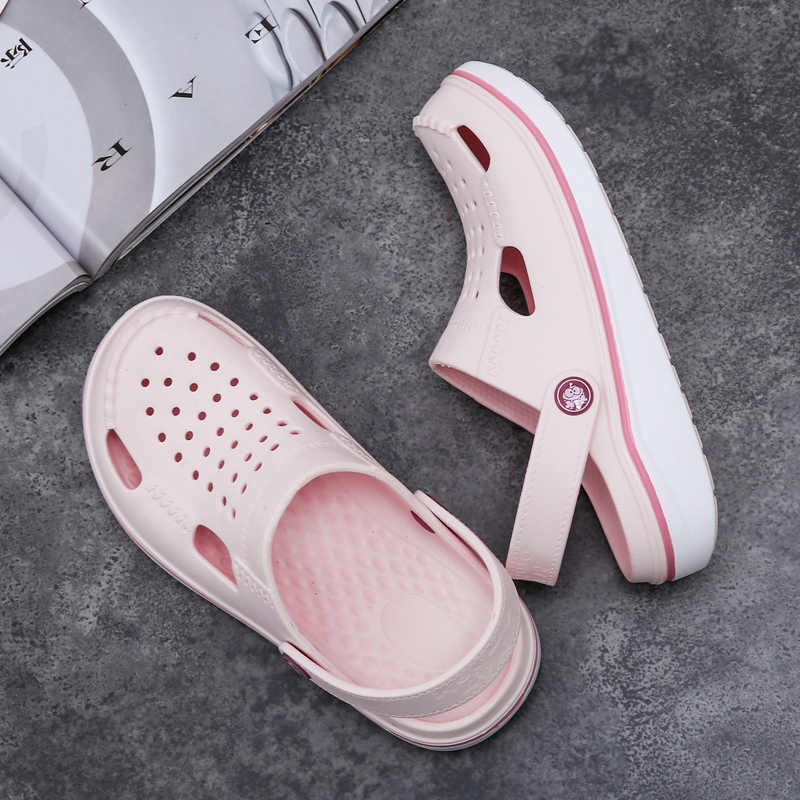 Gran oferta 2019, sandalias Crocse para mujer, sandalias ligeras de EVA, zapatos coloridos Unisex para la playa del verano