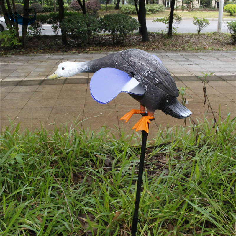 ФОТО Xilei Wholesale Quality Decoy Duck Plastic Duck Remote Control Spinning Magnet Wings Hunting Duck
