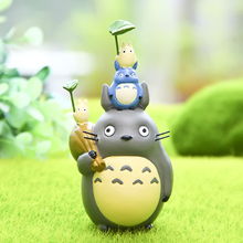 Miyazaki Totoro Edition Action Figure Toys 10 CM PVC Take The Leaves Overhead Blue Totoro Anime Collectible Ornaments Model Toy