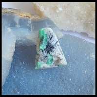 Wholesale 1Pcs Natural Drusy Emerald Green Gemstone Cabochon 31x24x12mm 12 61g