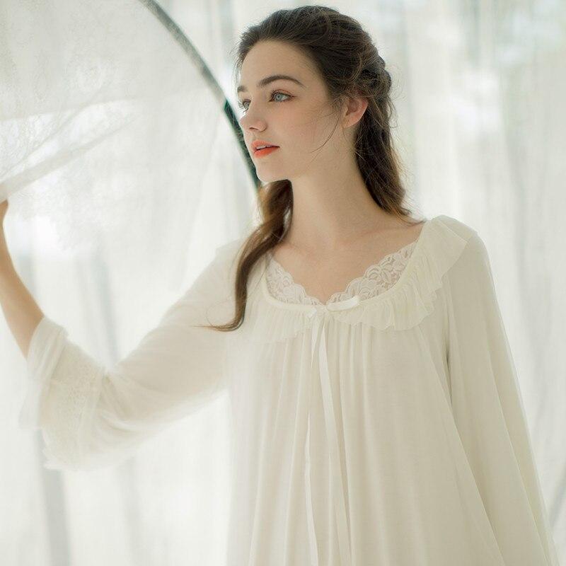 2bf1c090e51 US $69.05 |Herfst Vintage Nightgowns Dames Zoete Jurken Prinses Lange Mouw  Nachtkleding Wit Kant Thuis Jurk Comfortabele Nachthemd # L75 in Herfst ...