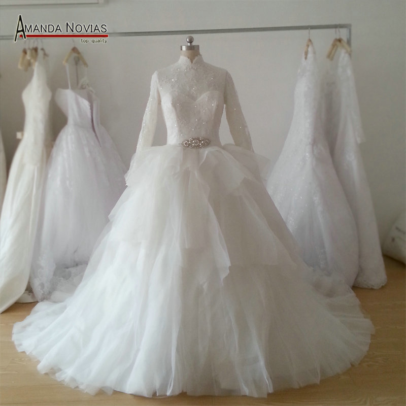 Best Wedding Gowns 2015: Top Quality Long Sleeve Lace Appliques Ruffle Skirt Muslim