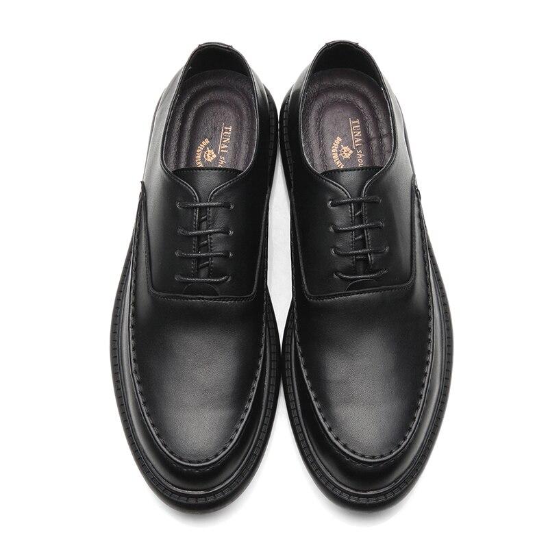 Zapatos negros de verano versión coreana de la tendencia de los zapatos de negocios casuales de los hombres zapatos pequeños de la sociedad Retro británica los hombres de verano