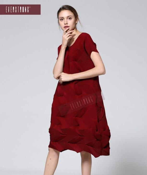 FREE SHIPPING Miyake fashion fold Diamond pleats dress short sleeve solid color o neck bud dress IN STOCK