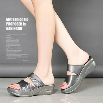 Sequins Mid-heeled Slippers New Mother Shoes Woman Leather Sandals Women Soft Bottom Slippers Female Summer Outdoor Shoes W305 4