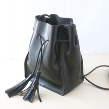 Retro Sen Department of minimalist style leather bucket bag leather fringed shoulder messenger handbag BB609