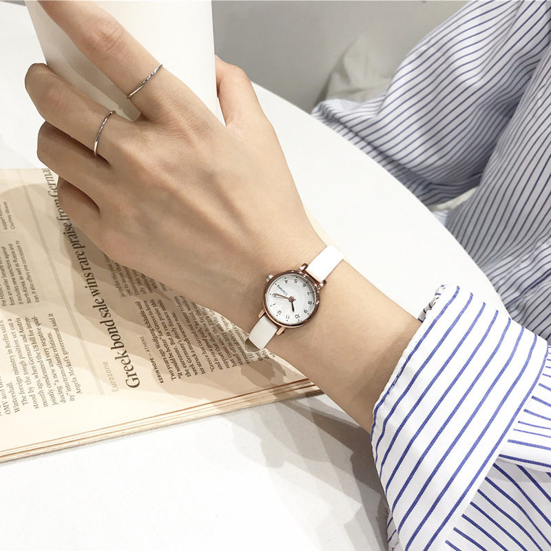 Simple small dial women white watch ulzzang luxury brand quartz female clock retro watches vintage leather ladies wristwatches(China)