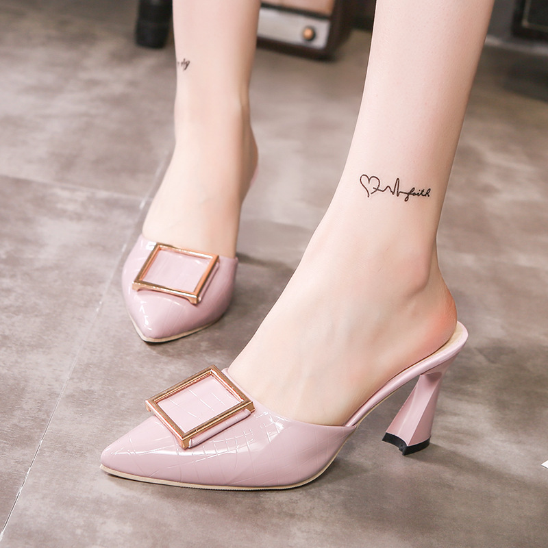 New style pointed slippers in spring and summer of 2019 in Slippers from Shoes