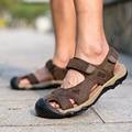 Плюс размер 39-45 Неподдельной Кожи Людей Сандалии Прилив Крышка Пальца Ноги На Липучке Мужской Летний Открытый Случайный Плоским Пляжная Обувь дышащий O2246