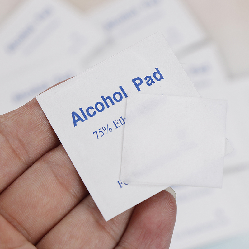 100pcs/Box Alcohol Swabs Pads Wipes Antiseptic Cleanser Cleaning Sterilization First Aid Home Makeup Accessories