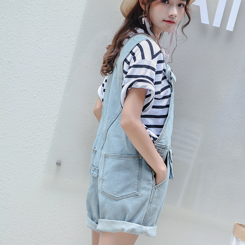 a40e6ba8879 High quality Denim Shorts Overalls Women Summer 2018 Female Strap Shorts  Playsuit Fashion Pocket Light Blue Casual Shorts -in Jeans from Women s  Clothing on ...