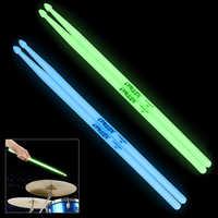 Di alta Qualità Portatile Nottilucenti 5A Tamburo Bacchette Bastone Glow in the Dark Stage Performance Luminosa 2 Colori Opzionale