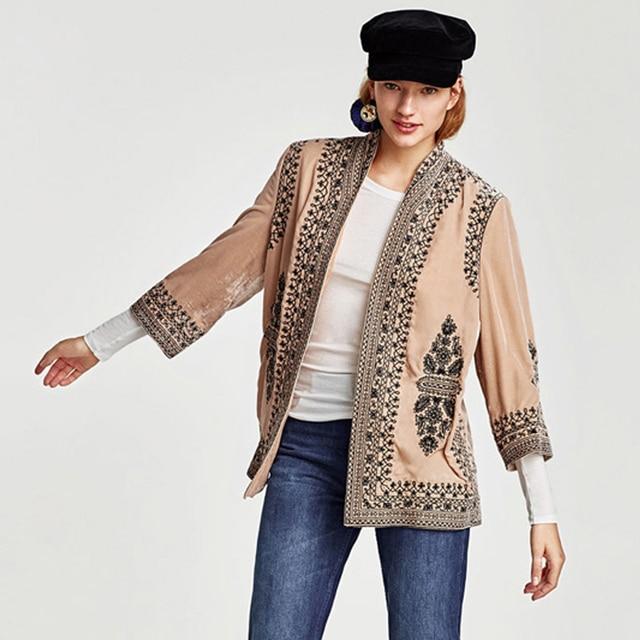 2017 otoño boho mujeres abrigo corto terciopelo caqui floral bordado ...