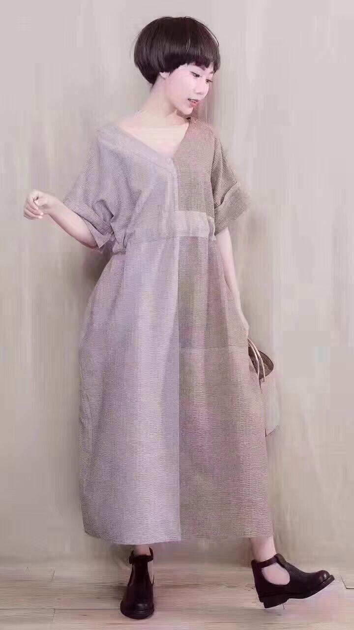 2019 nuova femmina di estate design originale più il formato Pieghettato texture lino corrispondenza dei colori Con Scollo A V con coulisse allentato vestito lungo - 2