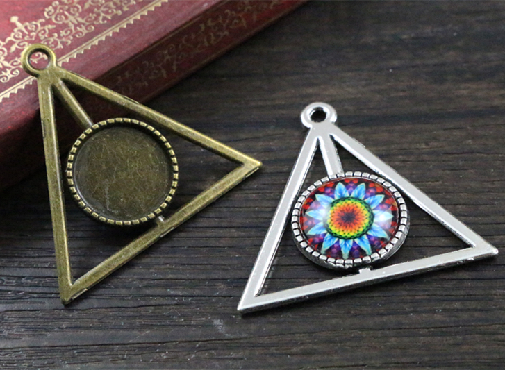 10pcs 16mm Inner Size Antique Bronze And Silver Triangle Style Cabochon Base Cameo Setting Charms Pendant
