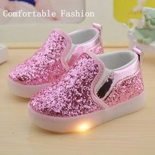 2017 new springtime new type style sizzling silver glitter girls and boys led footwear youngsters gentle glowing sneakers footwear lights youngsters
