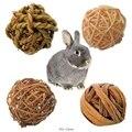 4Pcs Natürliche Kleine Tier Aktivität Kauen Spielzeug Kaninchen Vogel Papagei Spielen Rattan Kugeln
