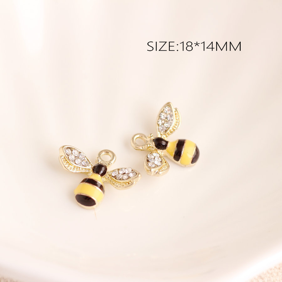 Bee Charm//Pendant Enamel /& Alloy Yellow//Black 18mm  10 Charms Accessory Crafts