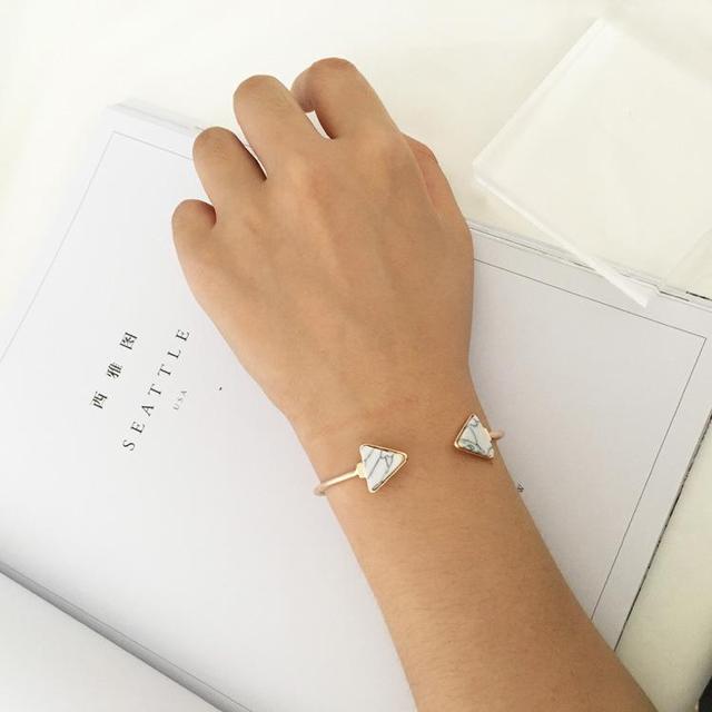 Punk 2018 New Fashion Bracelet Personality Simple Geometric White / Blue Triangle Bracelet Lady Wholesale Sales Faith Bracelet