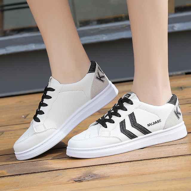 Women Vulcanized Shoes 2019 New Fashion Breathable Flat Sneakers Spring Female Casual Walking Shoe Fashion Woman Shoes